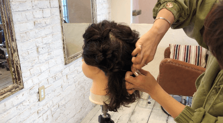 今から練習できるまとめ髪② ゴムだけで作るアップヘア